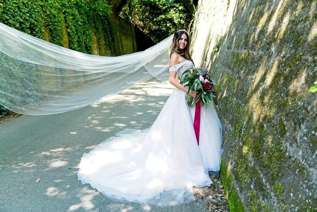 Bride Rachael Taylor